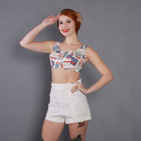 40s High Waisted WHITE Pin-Up SHORTS / 1940s Nautical Sailor Buttoned Cotton Shorts S