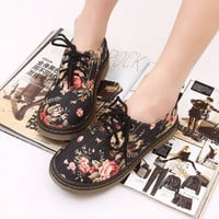 Women's Vintage Floral Print Flat Shoes
