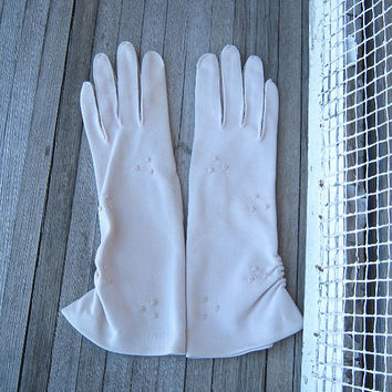 Retro Ruched Beige/Cream Gloves - Above-Wrist Vintage Occasion/Event Gloves - Imperfect, Minimalist, Small-Medium Gloves by Van Raalte