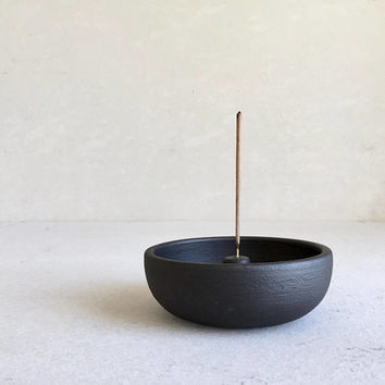 MATTE BLACK Incense Holder, incense stand, ceramic, pottery, handmade, incenseholder, incensetray, holder, burner, palo santo, plate, bowl