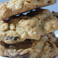 12 1 dozen pieces ranberry oat  chocolate chip cookies,rolled oat cookies,cranberry  cookies, party cookies,holiday cookies