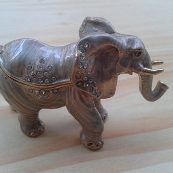 Auspicious Homemade Solid Perfume in Elephant. Fortunate, good fortune, things to come, Gold, Riches, ritual magic, essencial oils