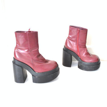 size 9 mega PLATFORMS vintage 90s kawaii red CHUNKY tall stacked toe CLUB gear cyber goth platform boots