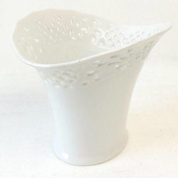 Oscar De La Renta Belmonte Vase, Vintage West Germany White Porcelain Reticulated Vase, Pierced Lattice Border