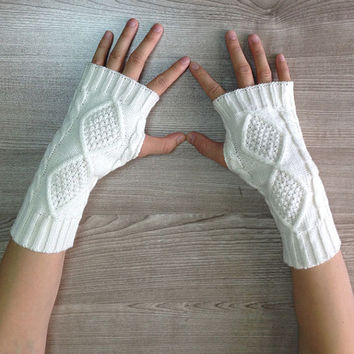white Knit Fingerless Gloves Knit Arm Warmers Fingerless Mittens Knit Wrist Warmers Gauntlets Knit Hand Warmers short gloves 005