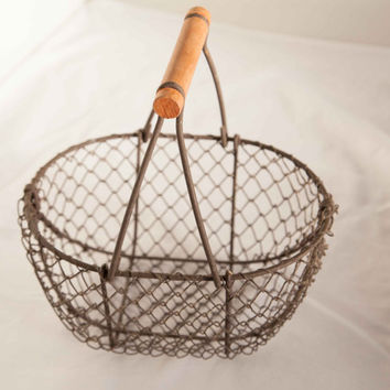 Small vintage wire basket