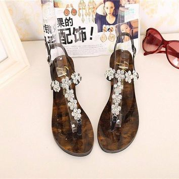 Beaded Flower Shiny Clip Toe Buckle Flat Retro Sandals