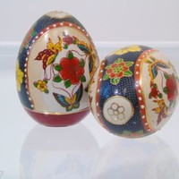 2 Asian Oriental Decorative Ceramic Eggs Hand Painted Butterfly Floral Display
