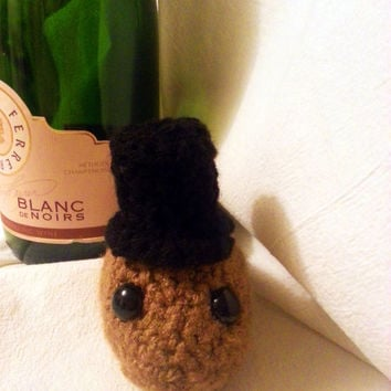 Put A Hat On It! (A classy top hat on your Science in Stitches crocheted animal, that is!)