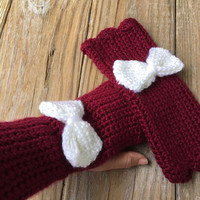 Texas A&M Aggies Wrist Warmers with Bow, Burgundy and White Fingerless Mittens, Crochet Fingerless Gloves, Texting Gloves, Boho Winter Wear