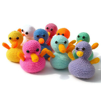 Crocheted duck toy amigurumi animal rubber ducky plushie for children and babies in white