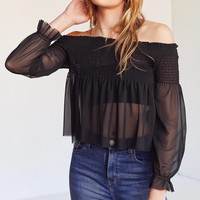 Kimchi Blue Shirred Mesh Off-The-Shoulder Top | Urban Outfitters