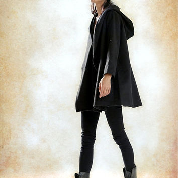 Hooded Cape Cloak for Women in Black, Winter Cape Coat, Wool Cape, Wool Cloak, Wool Long Coat