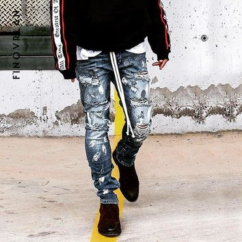 2018 kanye Men's Jeans Summer Ripped hip hop Skinny Biker Jeans Destroyed Frayed Slim Fit Denim Pants Pencil Pants streetwear