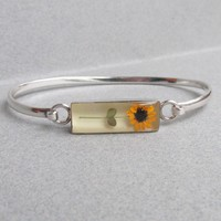 Vintage Sunflower in Lucite Sterling Silver Bangle Bracelet