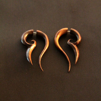 Wood Tribal Earrings, Fake Gauges Wooden Earrings w Abstract Arabian Blade Design, 4g Piercing Ilussion Gauged Ear