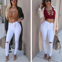 HOLE EXPOSED KNEE JEANS