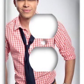 Prince Royce v3 Outlet Cover