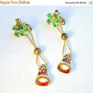 ON SALE Vintage Christmas Earrings, 1940s, 1950s, Dangle Earrings, Holiday Earrings, Red & Green.