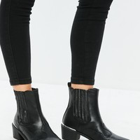 Missguided - Black Snake Pattern Detail Cowboy Chelsea Boots