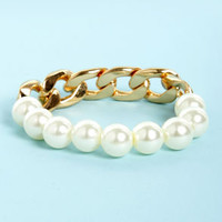 Pearl Friday Gold Chain and Pearl Bracelet