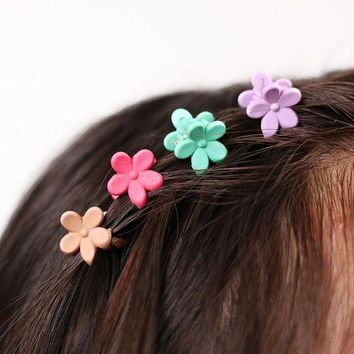 ONETOW 40 pcs Fashion Hair Accessories Hairpins Small Flowers Gripper Korean Children 4 Claws Plastic Hair Clip Clamp