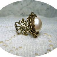 Sale - Pearl Ring - Creamy Luminous Pearl Ring -Vintage Style Ring - Sale - Free Shipping