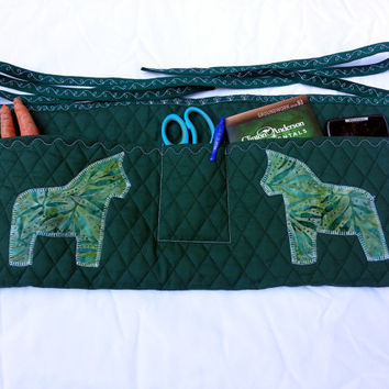 Quilted Apron for Horse Trainers, Horse Groomers, Gardeners in green - Horse Training Apron Dala Horse Appliqued
