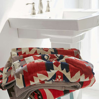 Pendleton Mountain Majesty Towel - Urban Outfitters