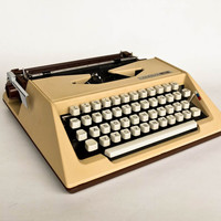 Vintage Portable Typewriter / Rare Unis Maxima 24 Typewriter / 80's Yugoslavia / Cream Beige & Brown