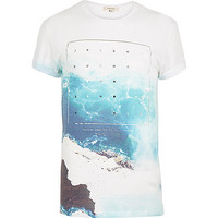 River Island MensWhite sea foil print short sleeve t-shirt