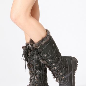 Bumper Winter Hike Boots @ Cicihot Boots Catalog:women's winter boots,leather thigh high boots,black platform knee high boots,over the knee boots,Go Go boots,cowgirl boots,gladiator boots,womens dress boots,skirt boots.