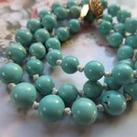 Vintage Turquoise Colored Beaded Necklace Silver Gilt Clasp