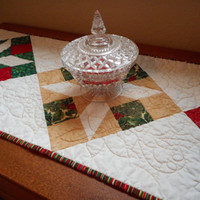 Christmas Quilted Table Runner, homemade table quilt, dining linen holiday, red green quilted topper, christmas home decor, holiday quilted
