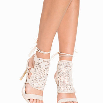 Lace Tassel Heel Sandal, NLY Shoes