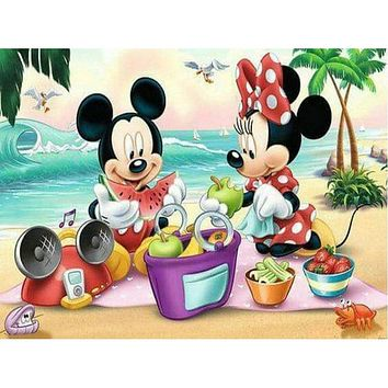 5D Diamond Painting Mickey and Minnie Picnic on the Beach Kit