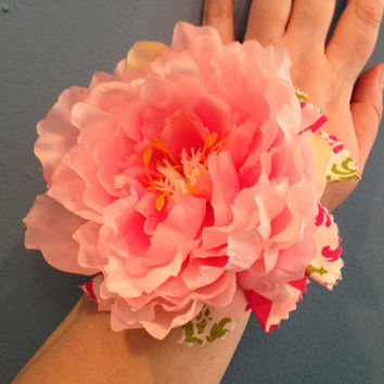 Pink and Green Corsage, Wrist Corsage, Flower Corsage, Mother's Day Corsage, Gift For Mom, Mother's Day Gift, Prom Gift