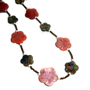 Peach and Tan Hawaiian Floral Beaded Necklace