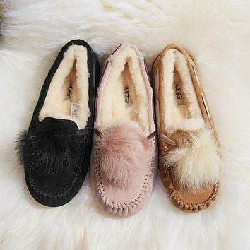 UGG Women's Dakota Pom Pom Shoes