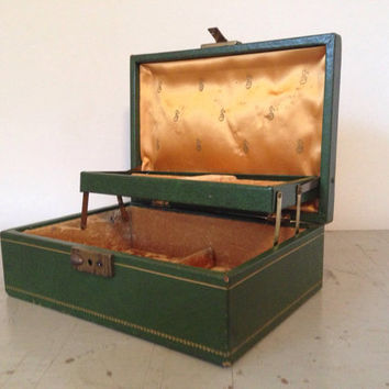 Kelly Green Jewelry Box with Gold Embossing - Vintage Mele Style