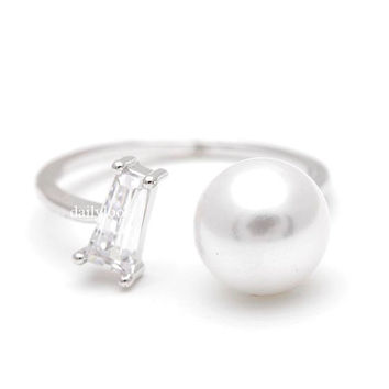 white pearl ring, open pearl ring, adjustable pearl ring, pearl ring,  pearl, adjustable ring, woman ring, bridesmaid ring, two pearls ring