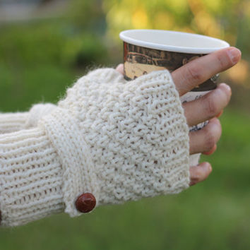 Light beige hand knitted fingerless gloves with wrist strap and leather button/ alpaca wool cream buttoned wristwarmers