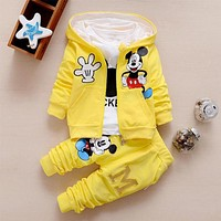 2017 Autumn Children Clothing Sets Boys Girls Clothes Christmas Mickey Minnie Kids Clothes Coat+T-shirt+Pants 3PCS Clothing Sets