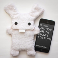 Fluffy Cellphone Case for iPhone 5 & Galaxy S2 - Fellfische - Snow Bunny