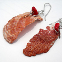 Red Sea Shell Beaded Earrings beach jewelry by CraftyKikis on Etsy
