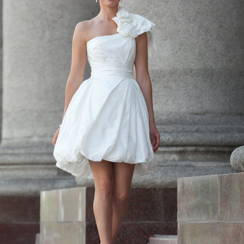 White short dress for rehearsal dinner or beach wedding