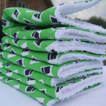 Washcloths / Kitchen Dish Towel / Set of 4 / Green Navy White  Vintage Remnant / Dorm Room Accessories