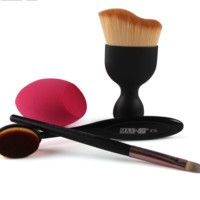 4 Pcs Black Makeup Brush Set With Blending Sponge