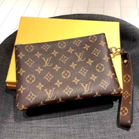 LV 2019 new men and women retro classic old flower wild clutch bag