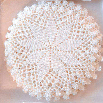 12 Crocheted Star Lace Doilies, 5 in. White Round, Small Box of a Dozen, 50s Handmade Thread Lace